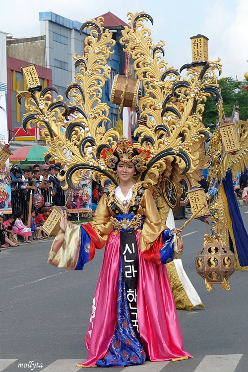 Parade kostum 2 Batam International Culture Carnival 2018