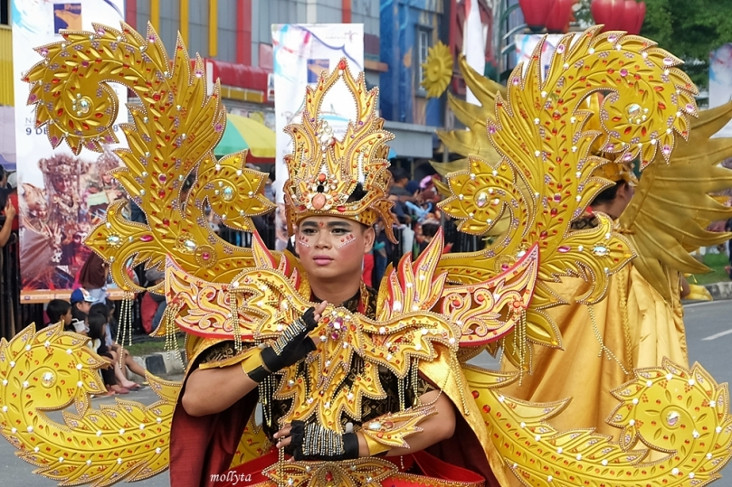 Parade kostum 5 Batam International Culture Carnival 2018