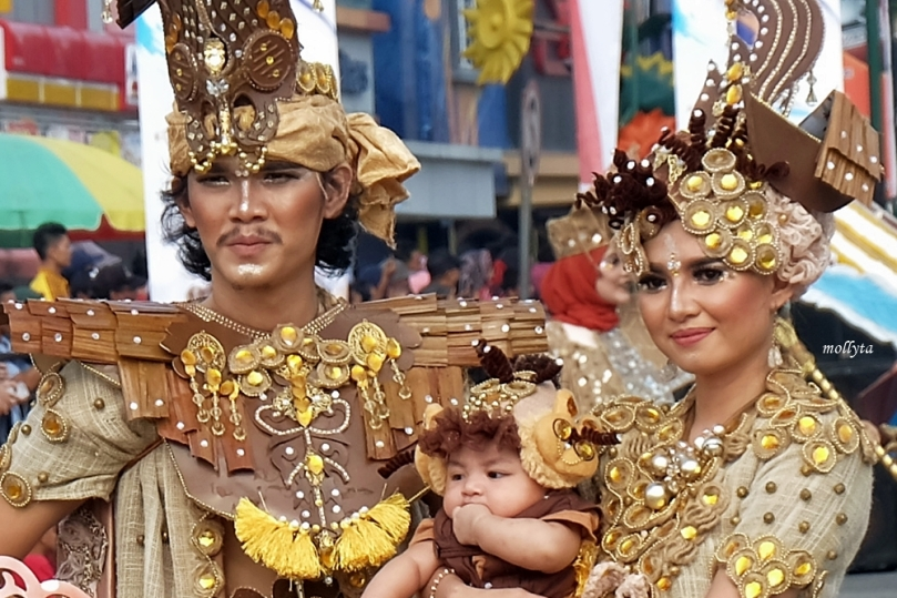 Parade kostum 6 Batam International Culture Carnival 2018