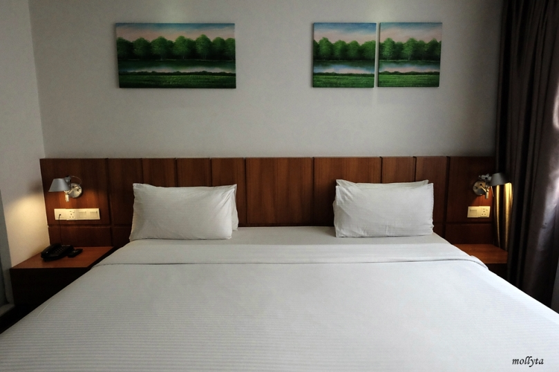 King size bed di French Hotel Ipoh