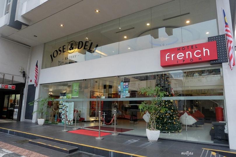 Tampak depan French Hotel Ipoh