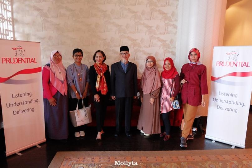 Pada acara Program Wakaf PRUSyariah Prudential di Medan