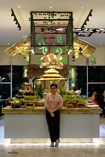 Buka puasa di The Cafe Cambridge Hotel Medan