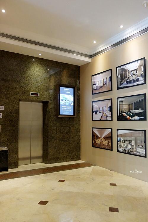 Lift di Radisson Medan