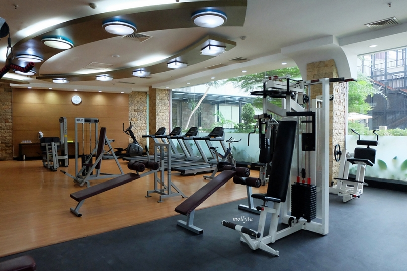 Ruangan fitness center Radisson Medan