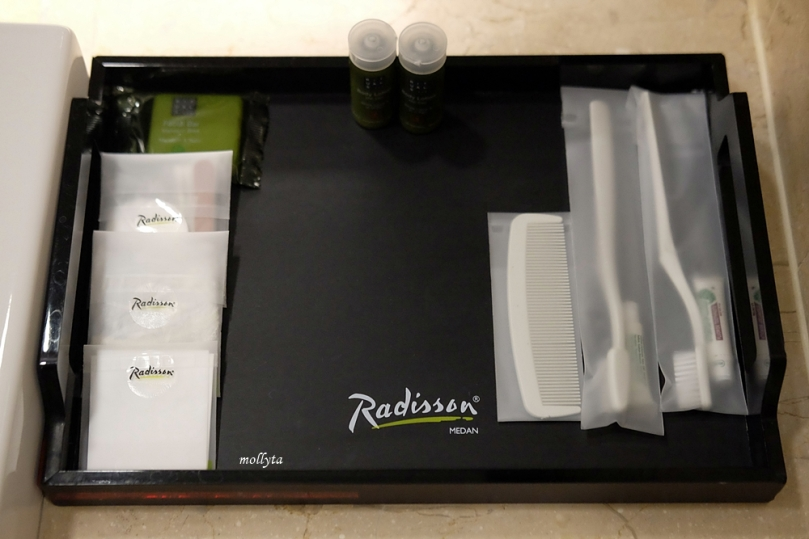 Amenities Deluxe Room Radisson Medan