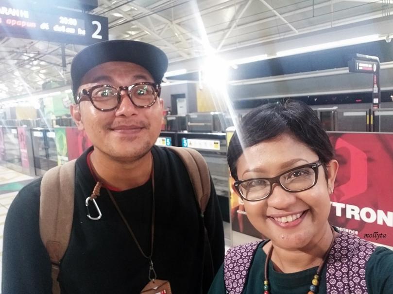 Mencoba MRT di Jakarta