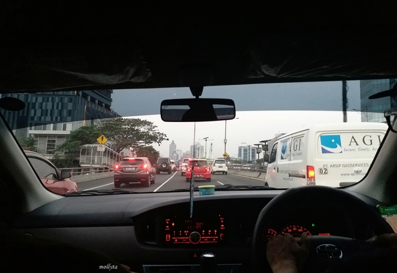 Menuju ke bandara Halim Perdanakusuma