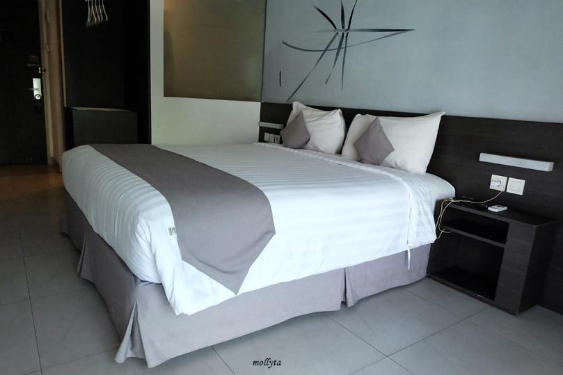 Kamar tipe standar Hotel Neo Tendean Jakarta