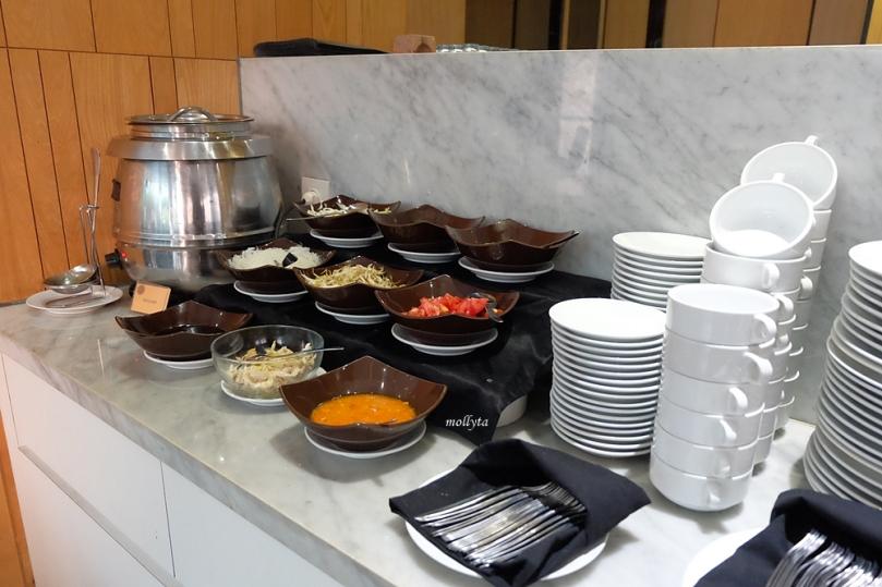 Menu soto di Clay Cafe & Restaurant Hotel Neo Tendean