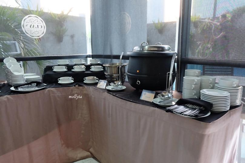 Menu sarapan di Clay`s Cafe & Restaurant Hotel Neo Tendean