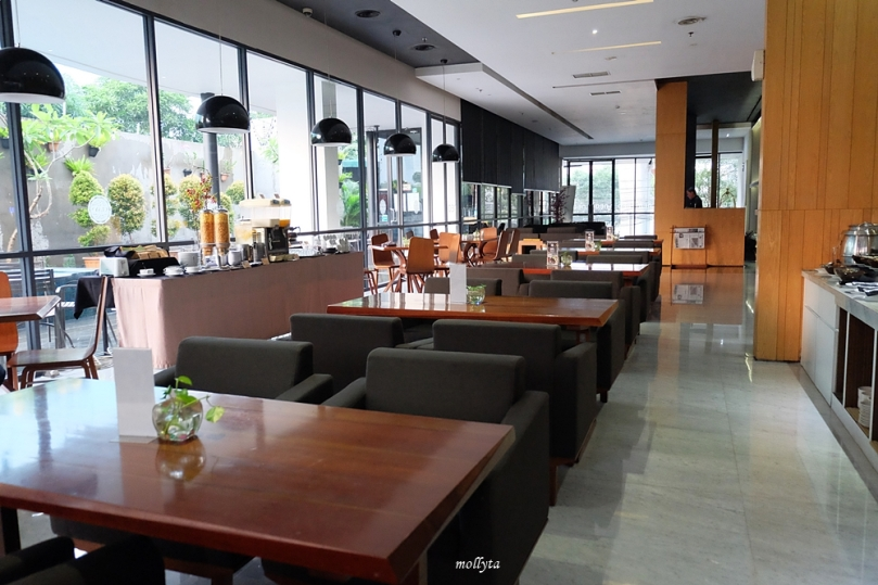 Clay Cafe & Restaurant di Hotel Neo Tendean Jakarta