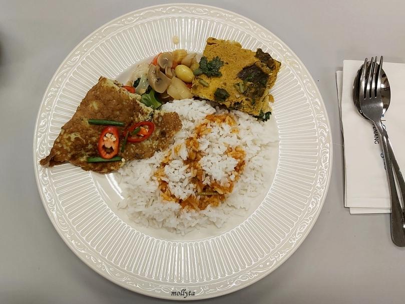 Menu makan siang di Gleneagles Hospital Penang