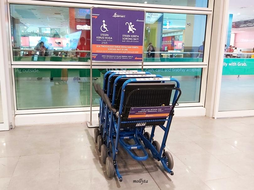 Fasilitas kursi roda gratis di KLIA 2