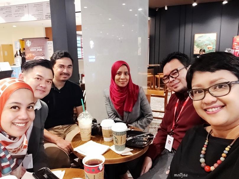 Bersama teman-teman di Sunway Medical Centre