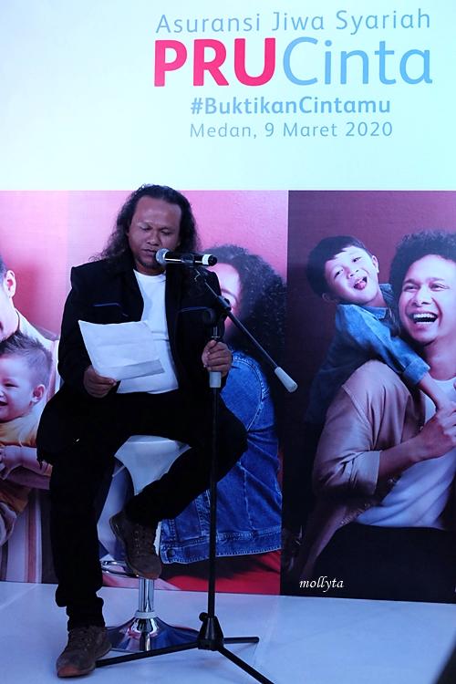 Pembacaan puisi di peluncuran PRUCinta Medan