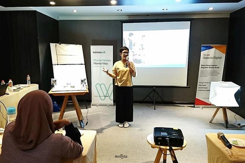 Mollyta di kelas wirausaha Google Gapura Digital di Medan