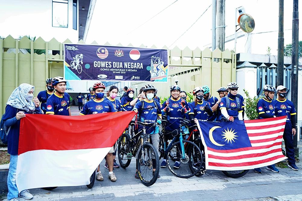Gowes 2 negara Malaysia Indonesia